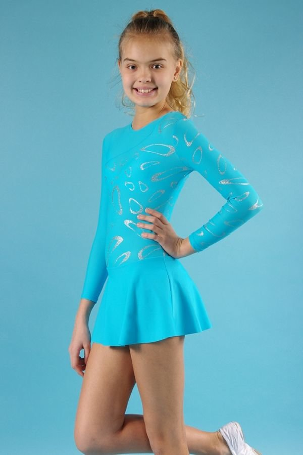 она гимнастка в мини платье хотелось